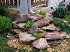 Creative front porch garden design ideas 35
