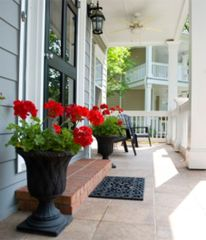 Creative front porch garden design ideas 39