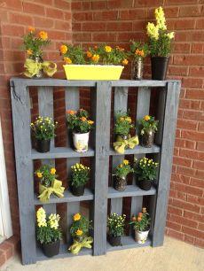 Creative front porch garden design ideas 41