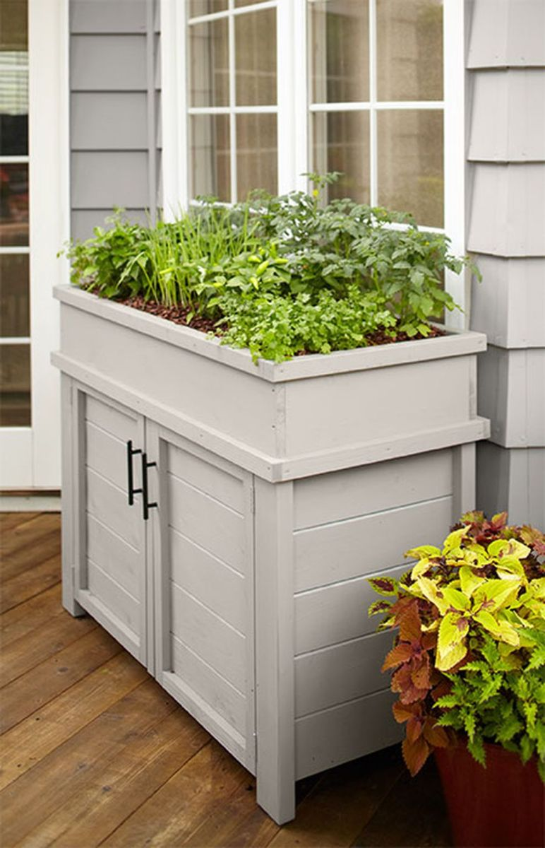 Creative front porch garden design ideas 43