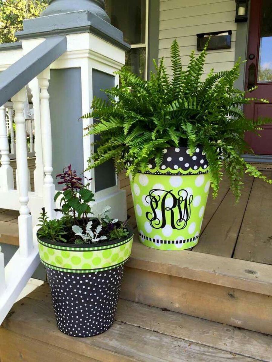 Creative front porch garden design ideas 53