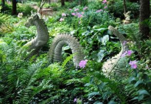 Cute and cool garden art for kids design ideas 26