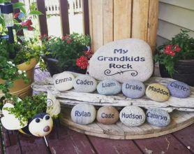 Cute and cool garden art for kids design ideas 33