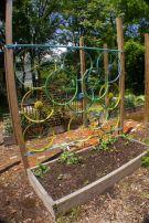 Cute and simple school garden design ideas 09