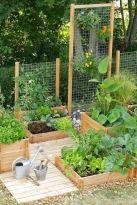 Cute and simple tiny patio garden ideas 19