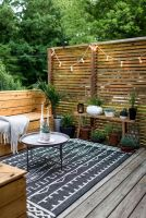 Cute and simple tiny patio garden ideas 33