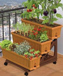 Cute and simple tiny patio garden ideas 45