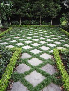 Cute and simple tiny patio garden ideas 58
