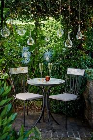 Cute and simple tiny patio garden ideas 65