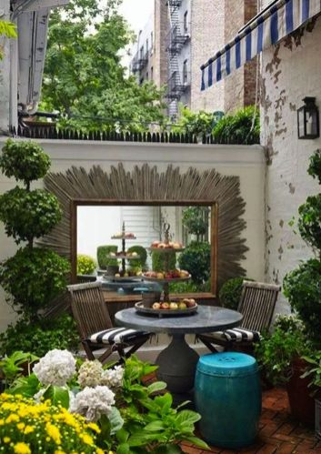 Cute and simple tiny patio garden ideas 67