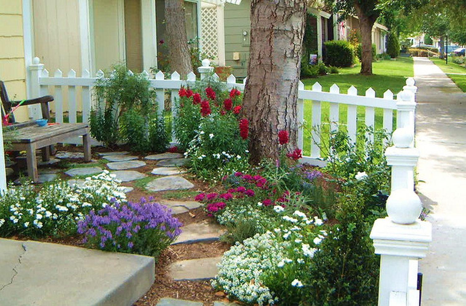 Cute and simple tiny patio garden ideas 70