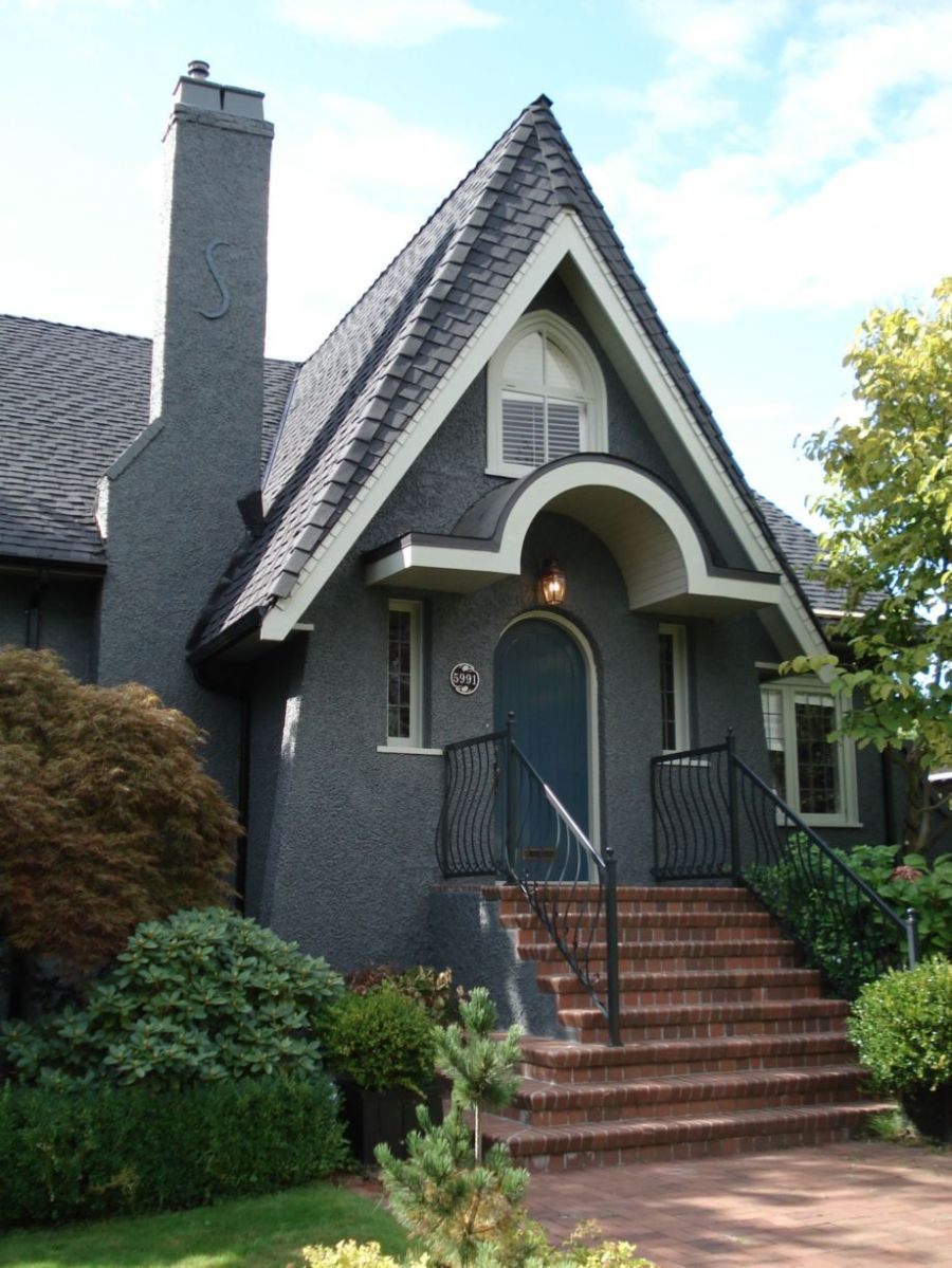 Exterior house colors with brown roof 10