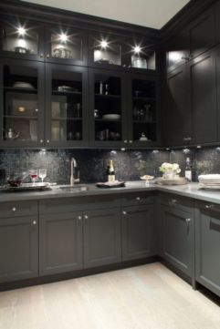 Inspiring black quartz kitchen countertops ideas 16