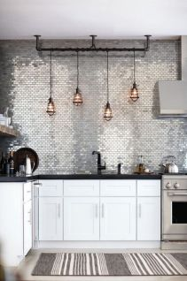 Inspiring black quartz kitchen countertops ideas 24