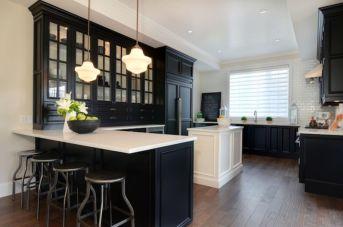 Inspiring black quartz kitchen countertops ideas 33