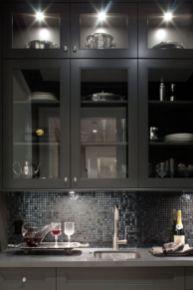 Inspiring black quartz kitchen countertops ideas 34