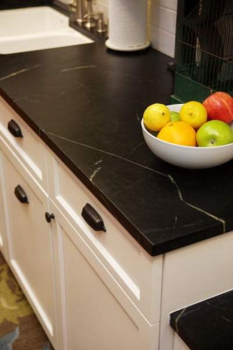 Inspiring black quartz kitchen countertops ideas 43