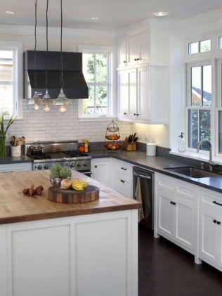 Inspiring black quartz kitchen countertops ideas 45