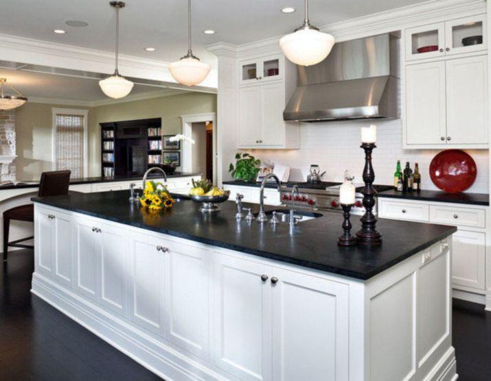 Inspiring black quartz kitchen countertops ideas 54
