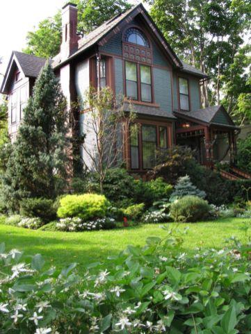 Inspiring small front garden ideas on a budget 27