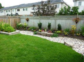 Inspiring small front garden ideas on a budget 41