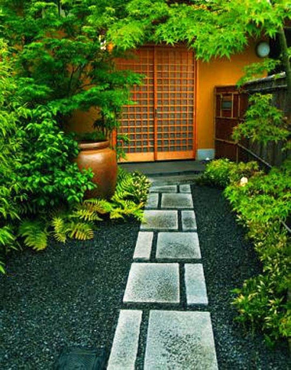 Charming Inspiring Small Japanese Garden Design Ideas 35