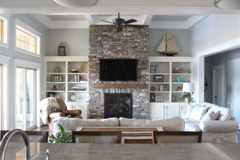 Simple living room design ideas with tv 16