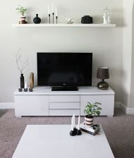 Simple living room design ideas with tv 31