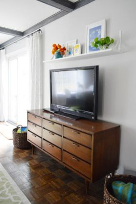 Simple living room design ideas with tv 32