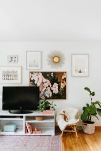 Simple living room design ideas with tv 50