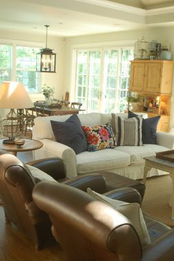 Simple and comfortable living room ideas 53
