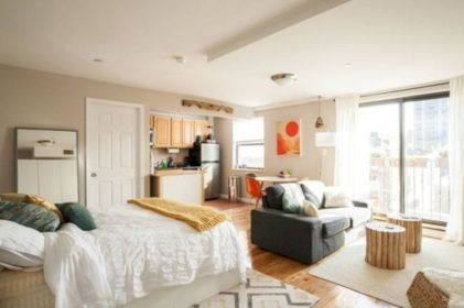 50 Cozy Minimalist Studio Apartment Decor Ideas - Round Decor