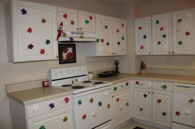 Stunning christmas decorating ideas for the kitchen 18