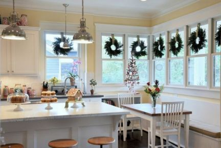 Stunning christmas decorating ideas for the kitchen 22