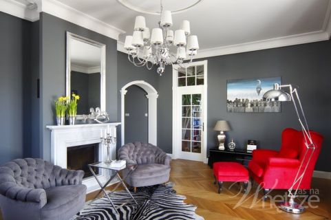 Stunning red brown and black living room design ideas 25