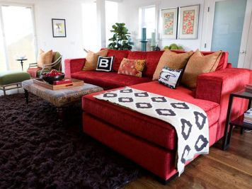 Stunning red brown and black living room design ideas 27
