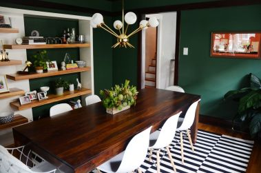 Stylish dark green walls in living room design ideas 03