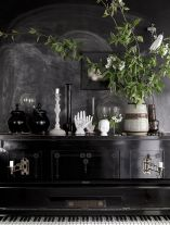 Stylish dark green walls in living room design ideas 51