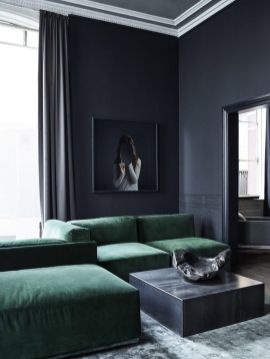 Stylish dark green walls in living room design ideas 55