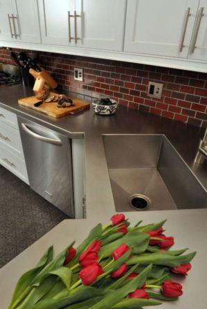 Stylish kitchen designs ideas with corner sinks 54