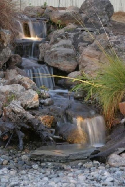Stylish outdoor garden water fountains ideas 44