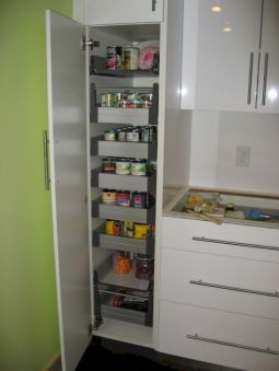 Amazing stand alone kitchen pantry design ideas (55)