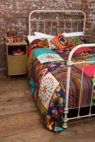 Cozy bohemian teenage girls bedroom ideas (34)