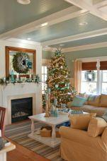 Creative diy beachy living room decor ideas (31)