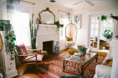 Creative diy beachy living room decor ideas (49)