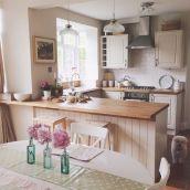 Inspiring u shaped kitchen ideas with breakfast bar (13)