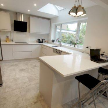 Inspiring u shaped kitchen ideas with breakfast bar (21)