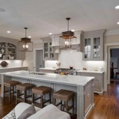 Inspiring u shaped kitchen ideas with breakfast bar (31)