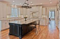 Inspiring u shaped kitchen ideas with breakfast bar (34)