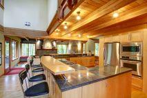 Inspiring u shaped kitchen ideas with breakfast bar (40)